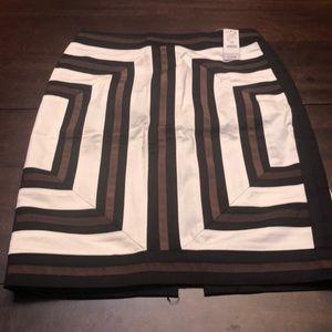 Stunning White House black Market skirt. New